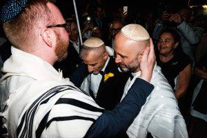 360916-gay-ebraico