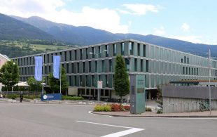 brixen_geba%cc%88ude_freie_universita%cc%88t_bozen_campus_brixen_1_05-2015-770x513